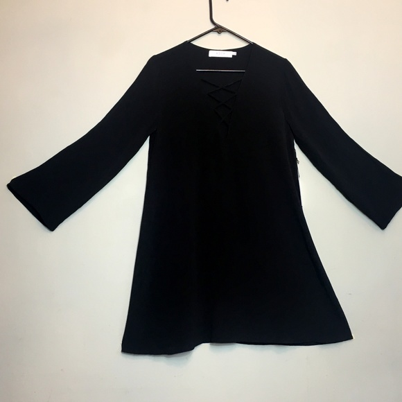 ASTR The Label Dresses & Skirts - ASTR Black SM Lace Up Bell Sleeve Shift Dress NWT